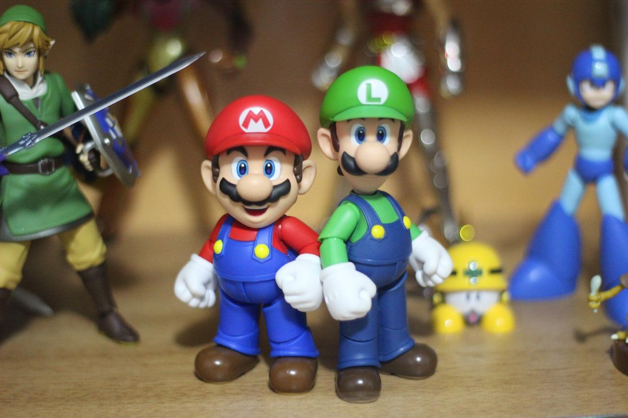 Luigi and Mario Pixabay