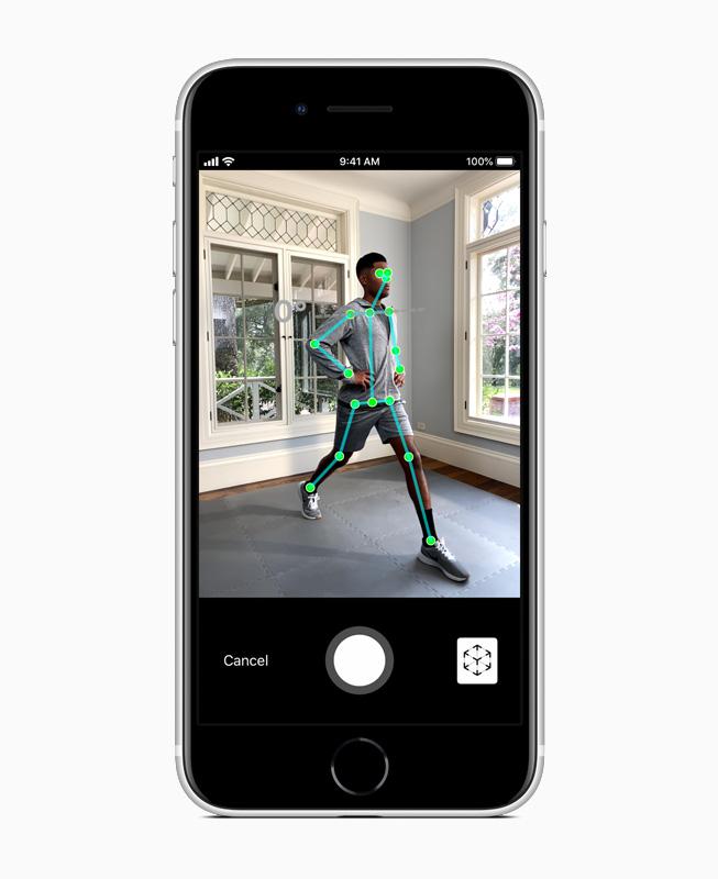 Apple_new-iphone-se-ar-screen_04152020_carousel.jpg.large